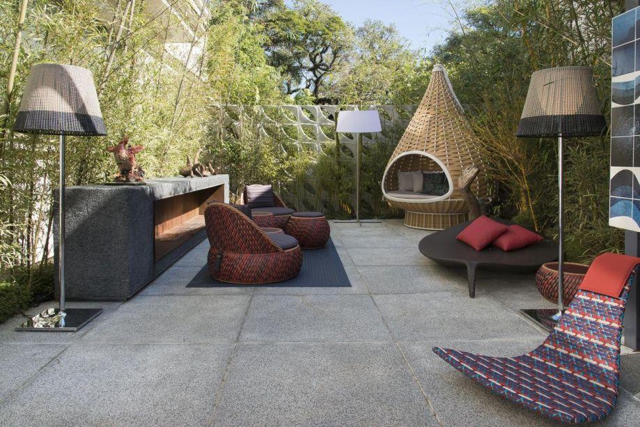 Tenda - René Fernandes. Para aproveitar o inverno a céu aberto, o arquiteto trabalhou com móveis confortáveis.
