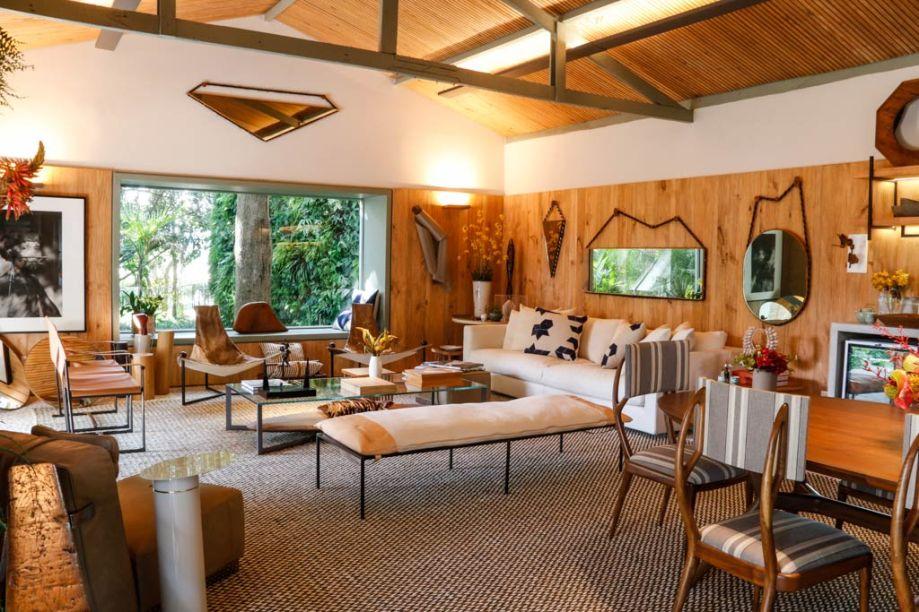 CASA COR São Paulo 2015. Marina Linhares, A Casa da Gente. Uma casinha simples que existia ali inspirou a arquiteta a criar este espaço de 95 m2, com 70 m2 construído. O ambiente também possui um delicioso jardim.