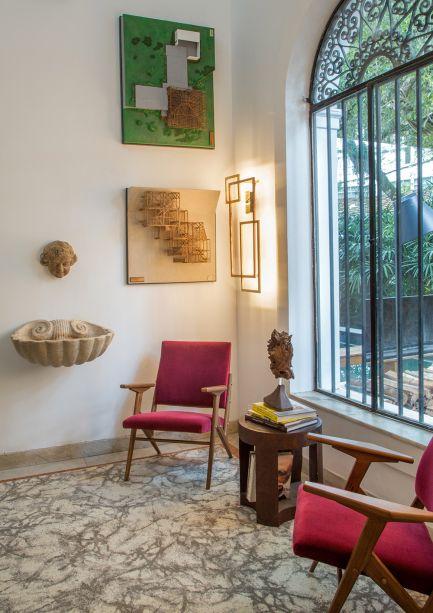 <span>Espaço José Zanine Caldas - Zanini de Zanine. Outra homenagem está nas paredes, que exibem 10 maquetes originais enquadradas, feitas à mão pelo arquiteto. Elas foram expostas em 1989 no Musée des Arts Décoratifs do Louvre, em Paris.</span>