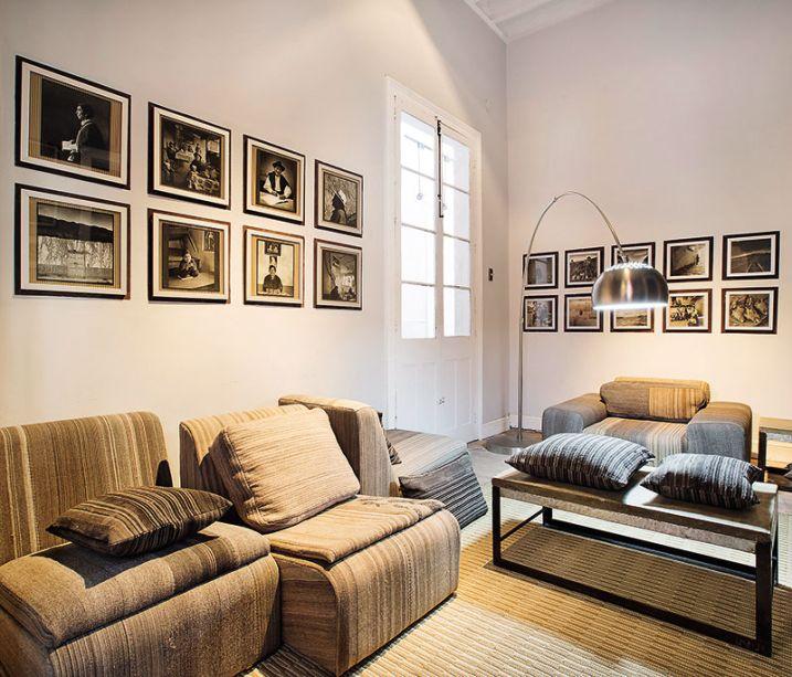 CASACOR Peru 2015. Estar do hóspede - Thibault Van der Straete . Os tons cálidos e as texturas naturais convidam o hóspede a desfrutar de momentos de intimismo e tranquilidade em um ambiente contemporâneo que respira arte.