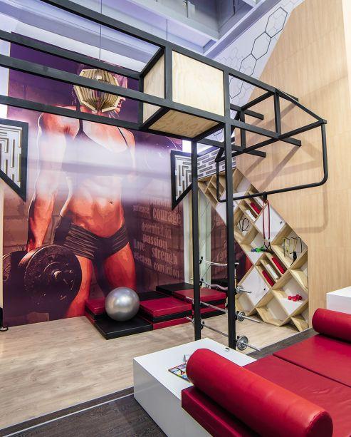 <span>Woman Fitness Room - Juan Villegas Garay e Kelly Vera Kcont. A vida de uma esportista é agitada e o espaço reflete esse dinamismo ao integrar várias funções. Ele pe baseado em módulos, com dimensões de 0.75 x 0.75m, que compõem estrutura e mobiliário com versatilidade.</span>