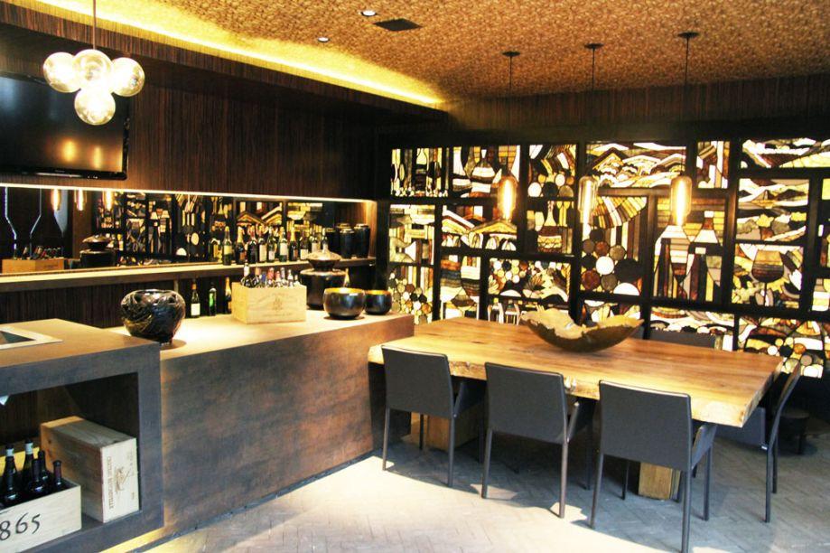 CASACOR São Paulo - Maithiá Guedes – ambiente: Wine Bar.