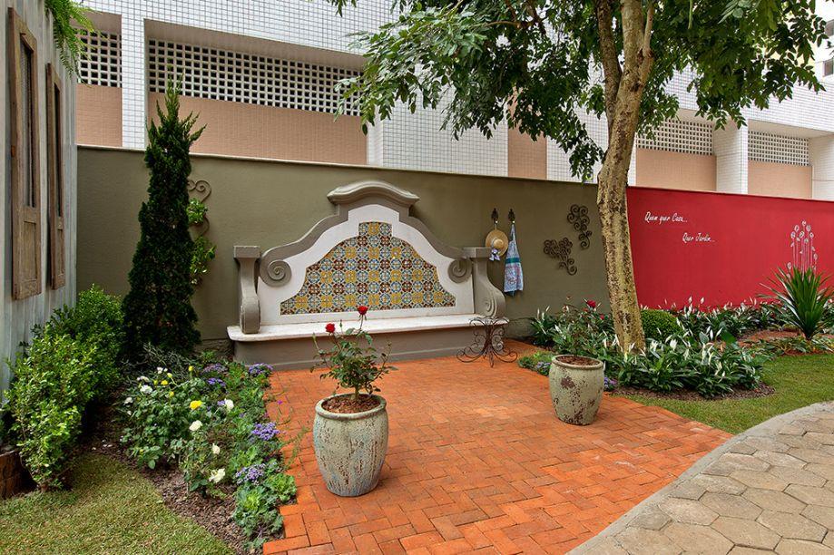 O Jardim Lateral, de Geórgia Botelho e Rodrigo Vieira fez muito sucesso. Neste ano, Geórgia se junta à Rose Andreade, Taís Magro e Darvil Bianchet, para conceber o Espaço Urbano Mayu.