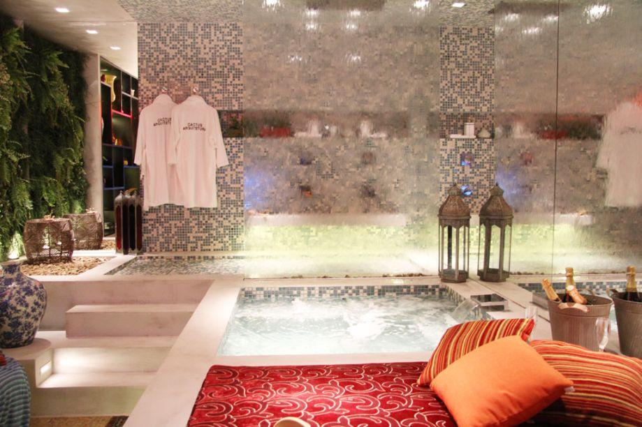 Claudia Alionis e Eduardo Bessa – ambiente: Sala de banho e banheiro público.