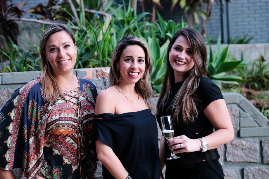 <span>Clarissa Torgan, Karina Capaverde e Ana Fontana</span>