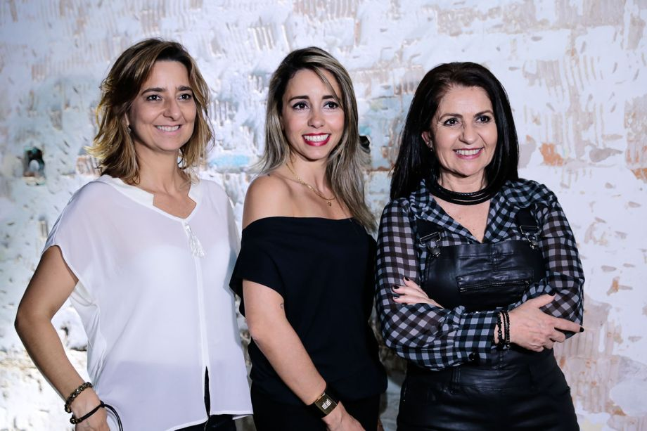 <span>Gabriela Ordahy, Karina Capaverde e Aclaene de Melo</span>