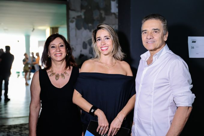 Vera Capaverde, Karina Capaverde e Valdecir Santos©2016_VINIDALLAROSA-1214