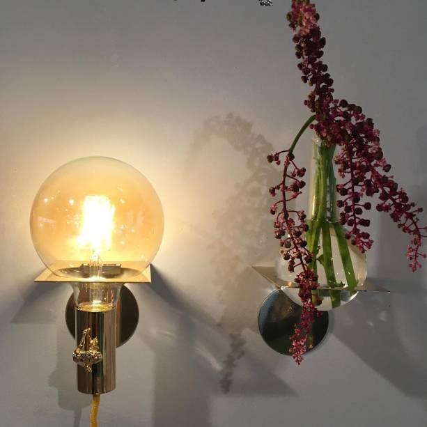 A Luminária Menina e o Vaso Apoio, de Nara Ota.