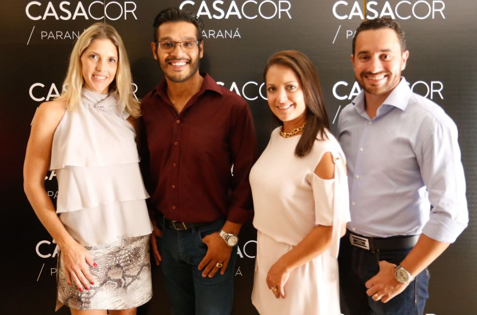 A arquiteta Renata Pisani, Jeferson Leandro (Avex Home) e os arquitetos Gisela Miró e Rafael Carvalho.