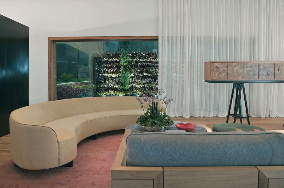 Vencedor 2011: O mobiliário foi fabricado com madeira de manejo sustentável e boa parte dos tecidos era de algodão e linhos orgânicos.