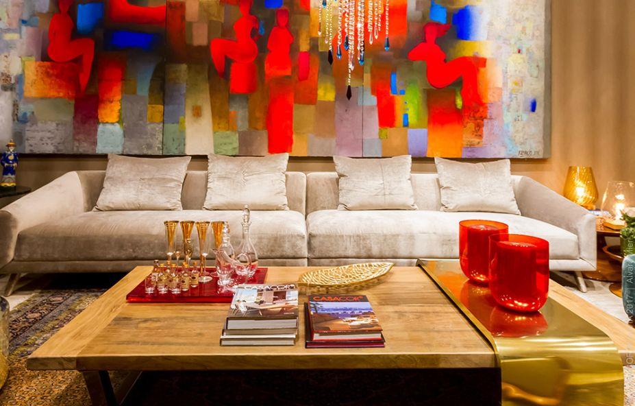 SALA PRINCIPAL - CAROLINA RIVERO, LILIANA RIVERO E RUDY RIVERO. O bronze é uma das apostas da dupla para este ano, com certo apelo art déco. A madeira aquece a composição, que também traz as cores cálidas dos quadros de Fabricio Lara e José Moreno.SALA PRINCIPAL - CAROLINA RIVERO, LILIANA RIVERO E RUDY RIVERO. O bronze é uma das apostas da dupla para este ano, com certo apelo art déco. A madeira aquece a composição, que também traz as cores cálidas dos quadros de Fabricio Lara e José Moreno.