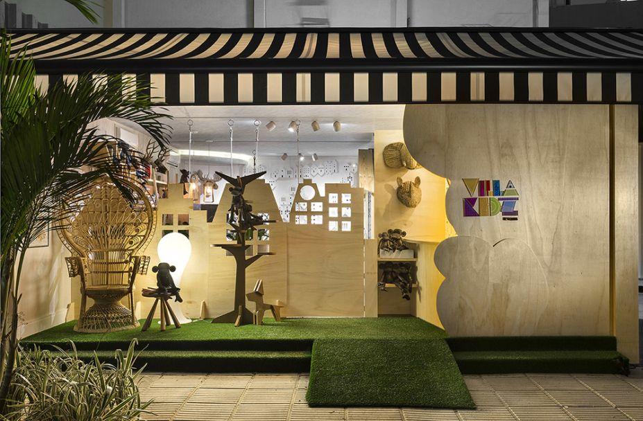 Andréia Rocha Lima - Brinquedoteca Villa Kidz. A profissional trouxe de uma loja de brinquedos do Marais, um bairro de Paris, a ideia para o ambiente lúdico. A madeira em sua forma natural materializa a estrutura desenhada com exclusividade, que abriga a instalação artística Venezia, da Masi Artes.
