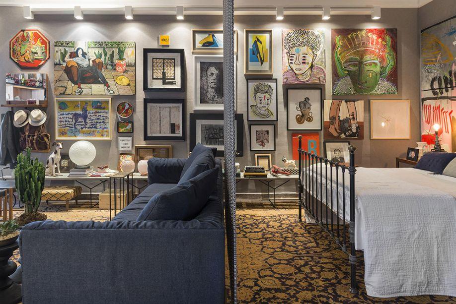 Genésio Maranhão - A Loft For Me. Sala de estar, cozinha/jantar, quarto e banheiro se distribuem em 49 m². No mobiliário, reedições de peças modernas consagradas convivem com antiguidades dos anos 1950.