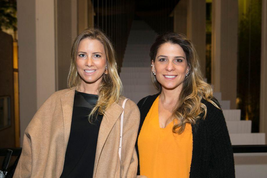 Carolina Oliveira e Adriana Helo