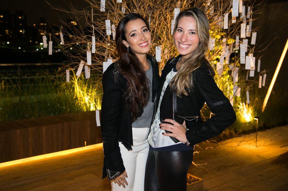 Vitoria Povoa e Gabi Fernandes
