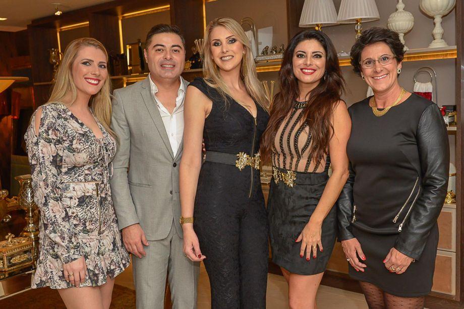 Equipe da Mels Bruches com a franqueada Francis Bernardo