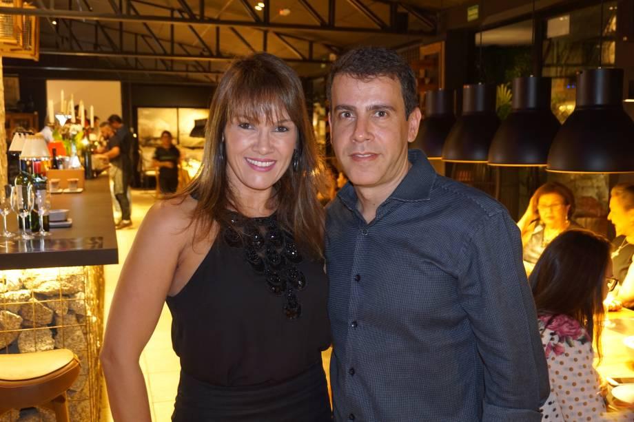 Pola Karina e Marcelo Carvalho