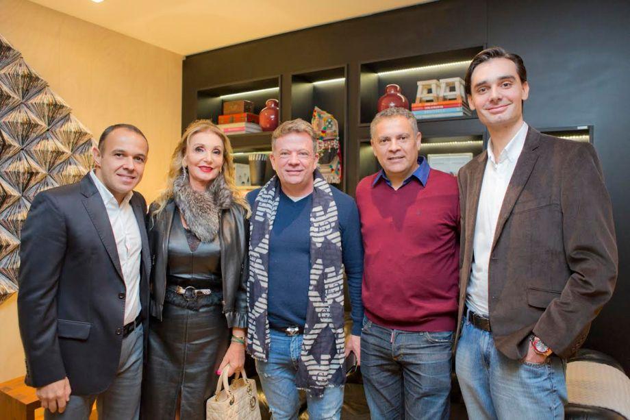 O arquiteto Carlos Navero, que assina o espaço Cozinha Living Bar, a artista plástica Vania Dalmaz, o médico Eliseu Portugal, o artista plástico Eleuthério Neto e o médico Lincoln Dalmaz