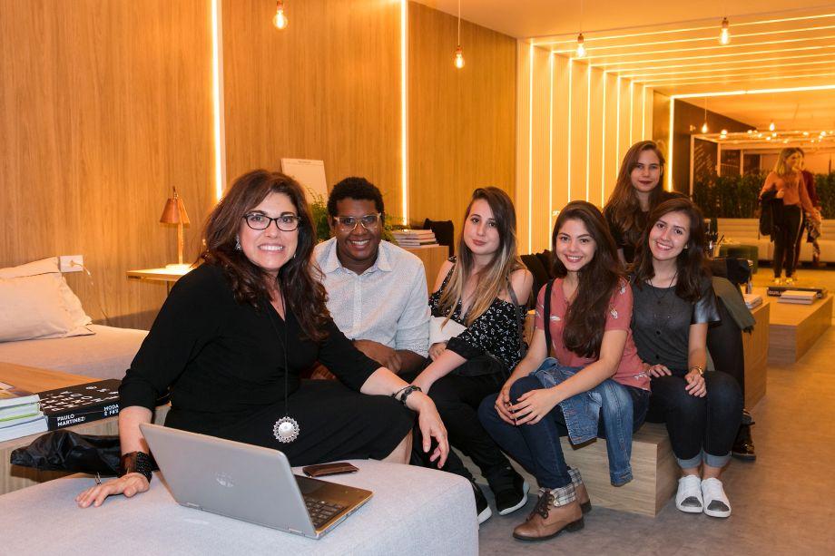 Sandra Dángelo, Bruno Alves, Priscila Psolinoes, Maria Eduarda Secundino, Sarah Araújo e Carolina Povoas