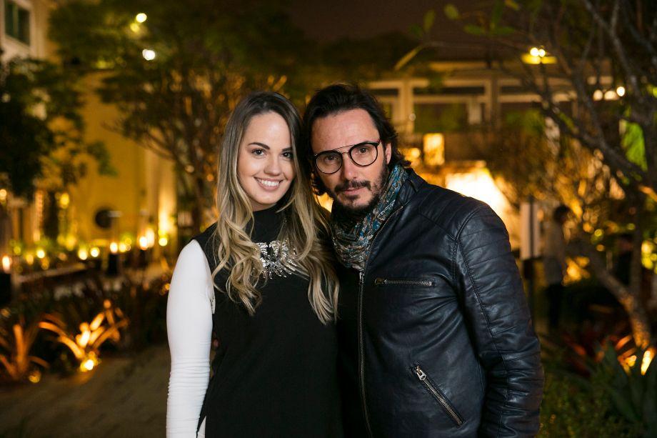 Ricardo Pessuto e Carol Cantelli