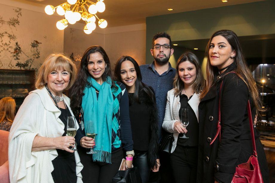 Lucy Amicon, Ana Bartira, Vanessa Ireno, Vinicius Amorim, Natalia Gusson e Mariana Penido