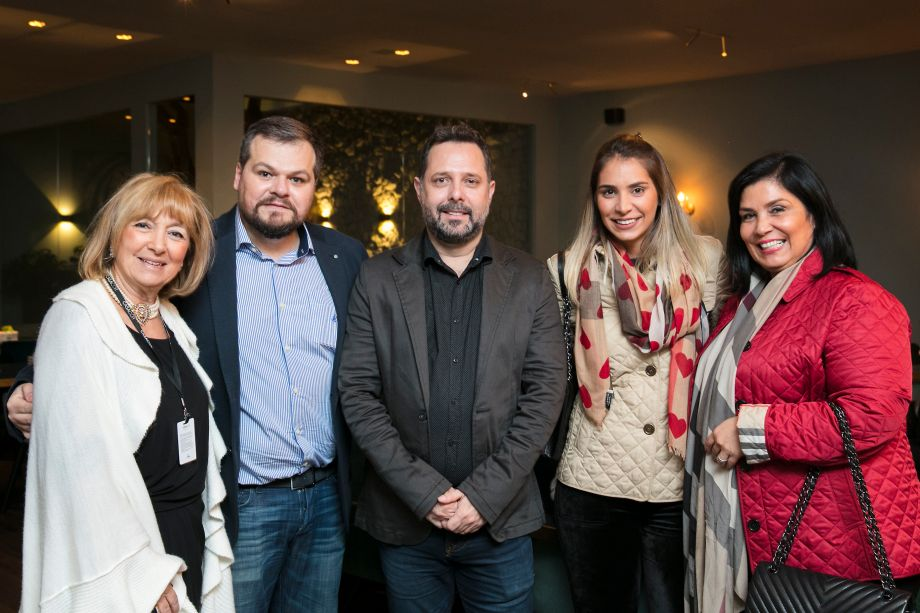 Lucy Amicon, Thiago Luposeli, Marcelo Cassetari, Patricia Hagobian e Fernada Dunelli
