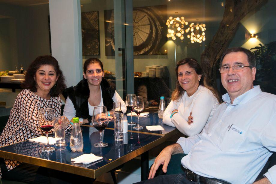 Renata Braga, Francine Loducca, Isa Loducca e Wilson Correia