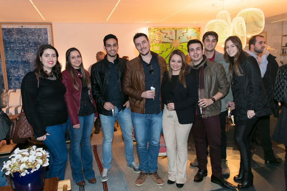 Marcele Carida, Graziela Rimira, Victor Hugo Buzzu, Julio Moreto, Felipe Neto, Narayana Lopes, Victor Lourenço e Julia Cestari