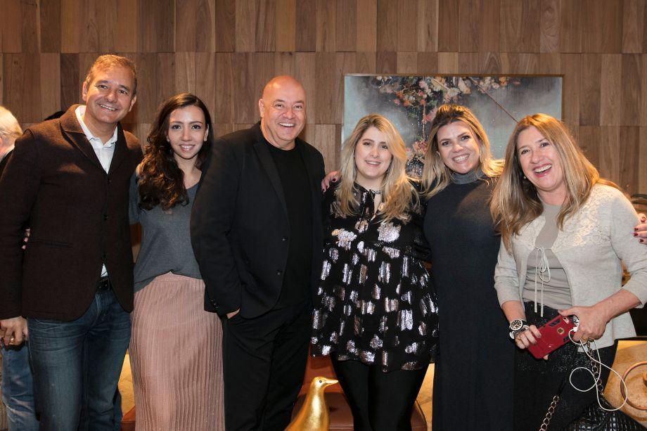Olegário de Sá, Nathalia Candelária, Gilberto Cioni, Jéssica Adan, Giselle Martos e Carmen Alvin