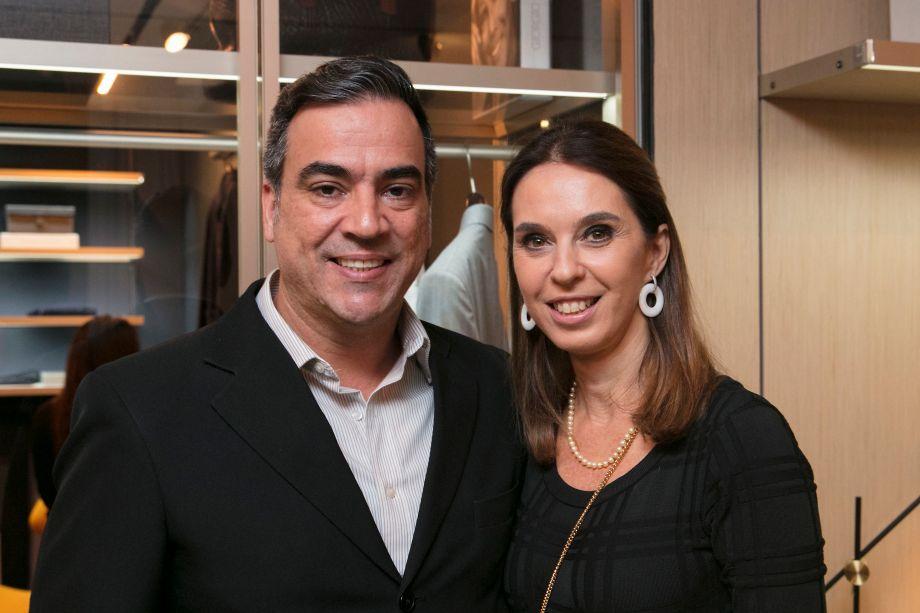 Cadu Torres e Esther Schattan