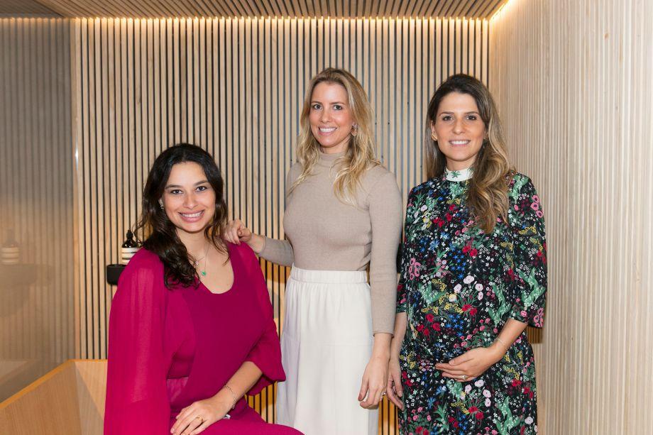 Marina Torre Lobo, Carolina Oliveira e Adriana Helú
