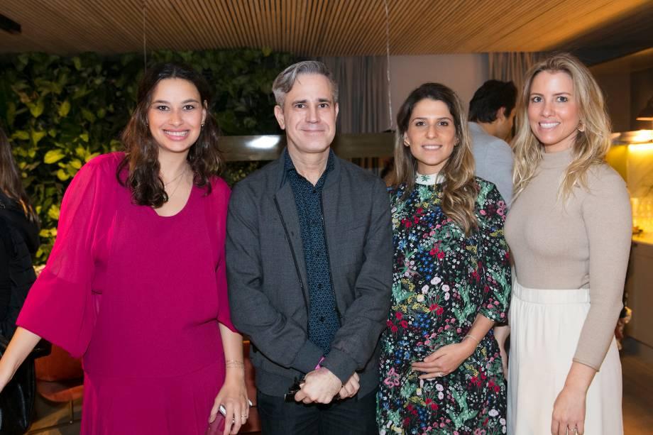 Marina Torre Lobo, Eduardo Simões, Adriana Helú e Carolina Oliveira