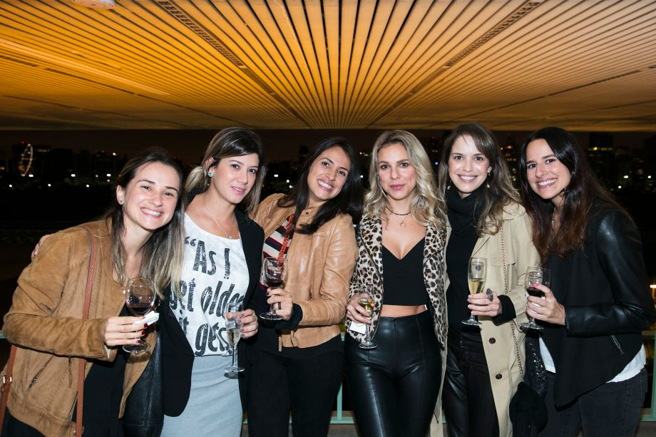 Mariana Lebrão Cassins, Carolina Martinez, Karina Valenzuela, Viviany Toschi, Andrea Anselmo e Claudia Moubark