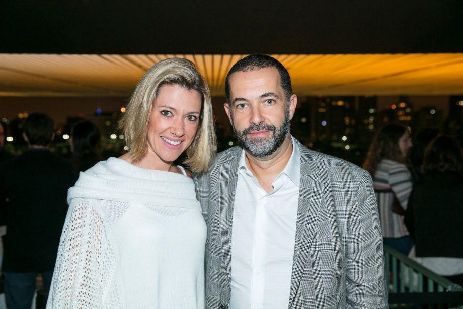 Leticia Funis e Sergio Costa