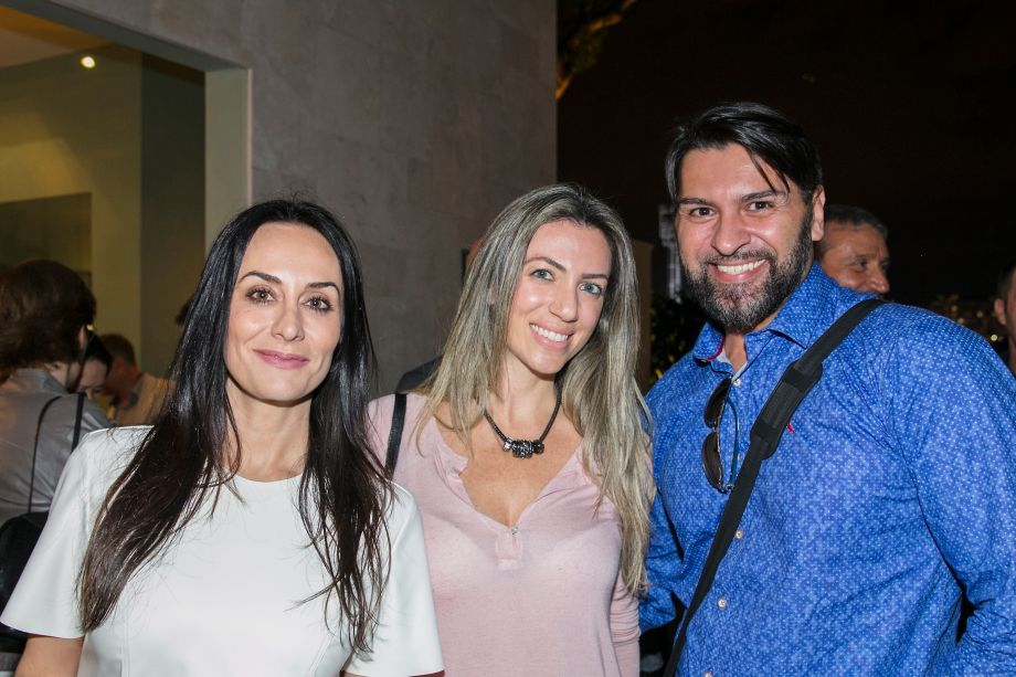 Tati Pedtini, Carol Nicolini e Gil Farah