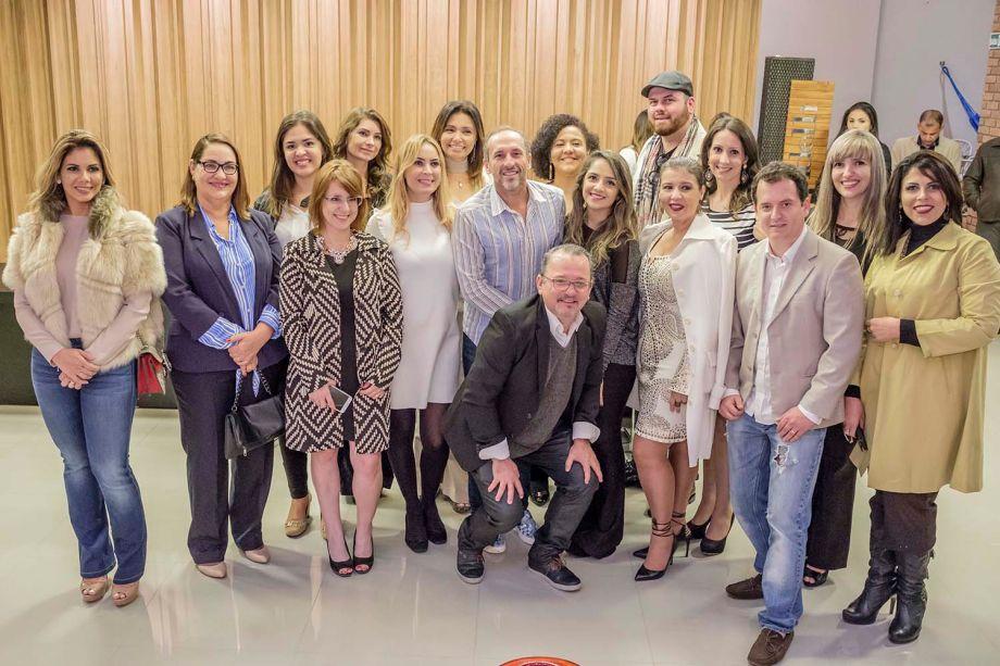 Parte do elenco CASACOR MS 2016 e Denilson Machado