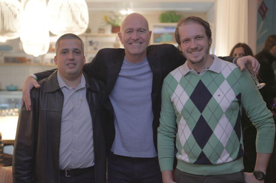 <span>Daniel Tavares, fabricante iGUi; Felipe Sisson, presidente da iGUi e Anderson Macelani, arquiteto da iGUi</span>