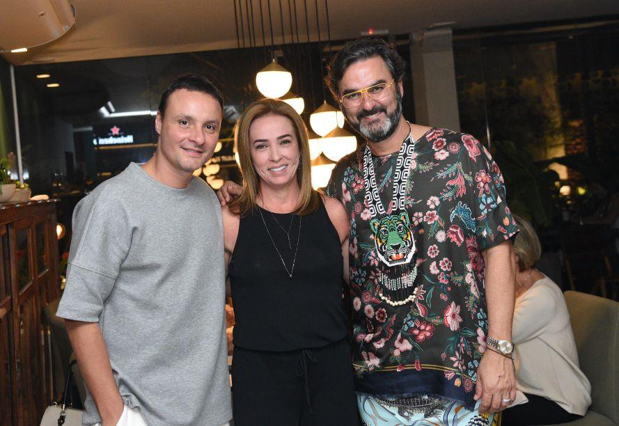 Marcelo Trento, Carla Lauar e Leo Romano