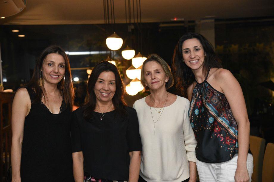<span>Cristiana Bava e Graziela De Caroli, do Grupo Abril, com Eliane Martins e Sheila de Podestá, diretoras da CASACOR Goiás.</span>