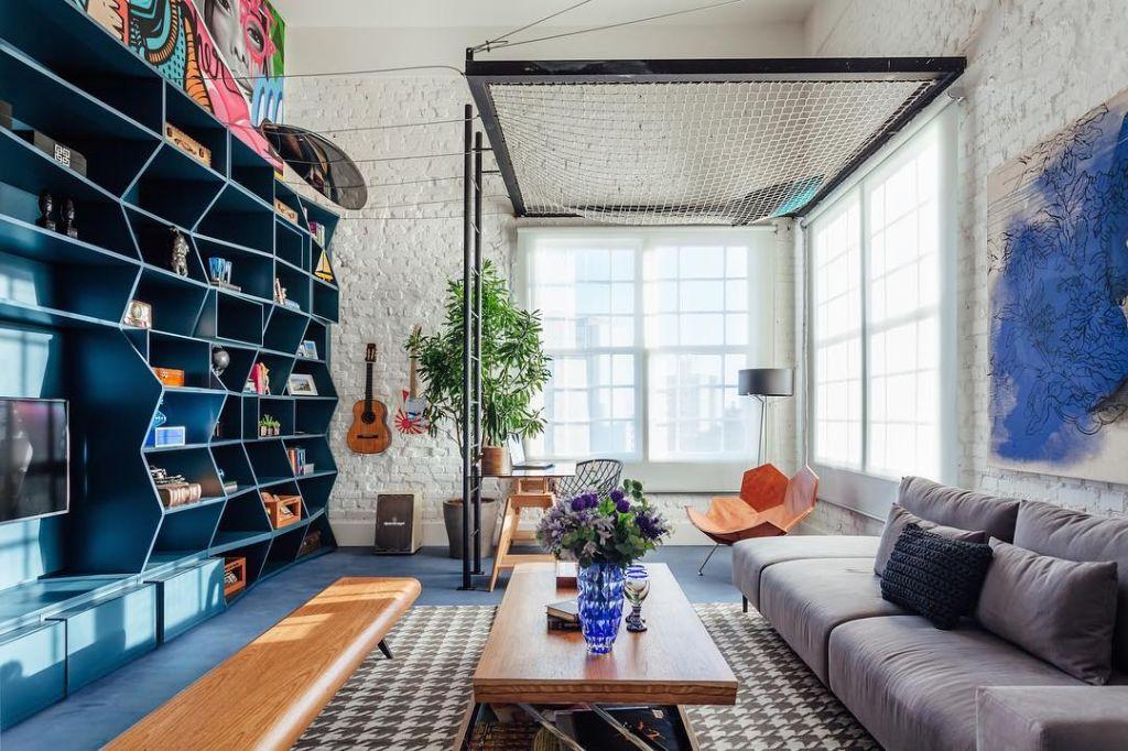 home office estante colorida