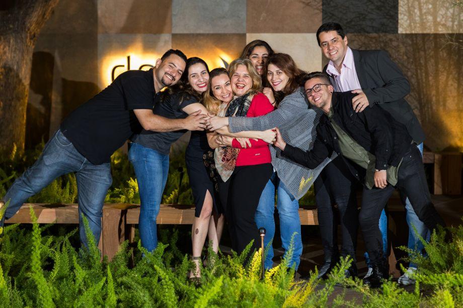 Denis Gois, Julia Martinez, Marcia Carini, Rita Pilotto, Marianna Rodrigues, Fernanda Drumond, Alex Alcantara e Alessandro Silva
