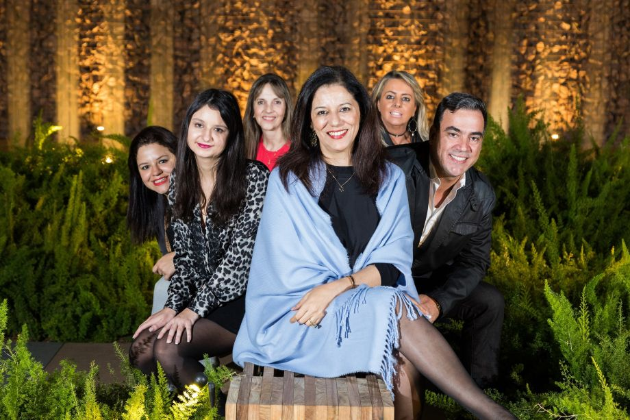 Raquel Alice, Carla Delgado, Bia Mortari, Cleide Gomes, Ana Porto e Cadu Torres