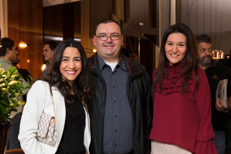 Aline Vivas, Luciano Monari e Patricia Paschoalim