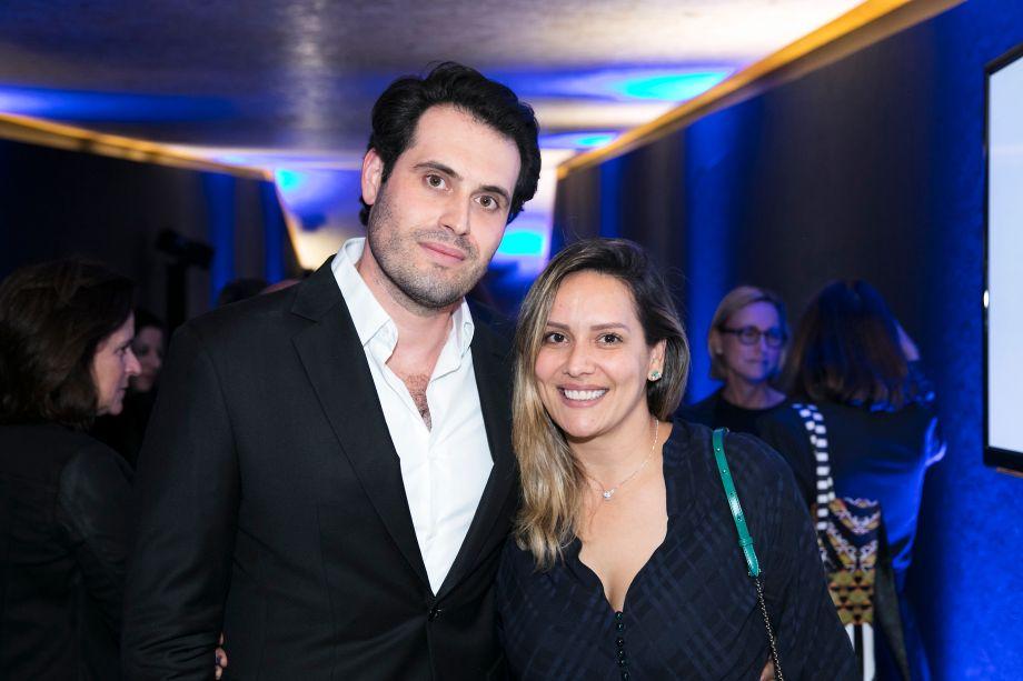 Maicon Antoniolli e Clariça Lima