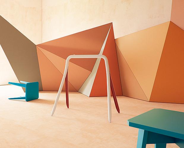 """<span>Cavalete Split - Mara Louisa Koeber. Com inspiração brilhante, o cavalete empresta a tecnologia do processo de divisão do Bambu e a traduz para o material industrial, que é o aço, propondo um cavalete como nunca antes visto. Vencedor na categoria Home Furniture, no quesito produto. (Oppa,www.oppa.com.br,<span class=""""currency"""">R$ </span><span class=""""real"""">227,05)</span></span>"""