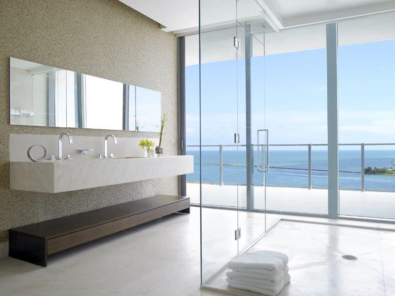 Neste projeto, localizado em Miami, Shehtman valorizou a entrada de luz natural.