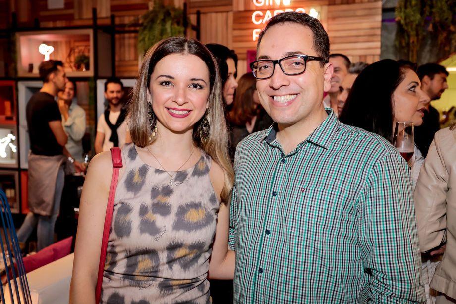 Gabriela Dávilla e Sandro Jaznievez