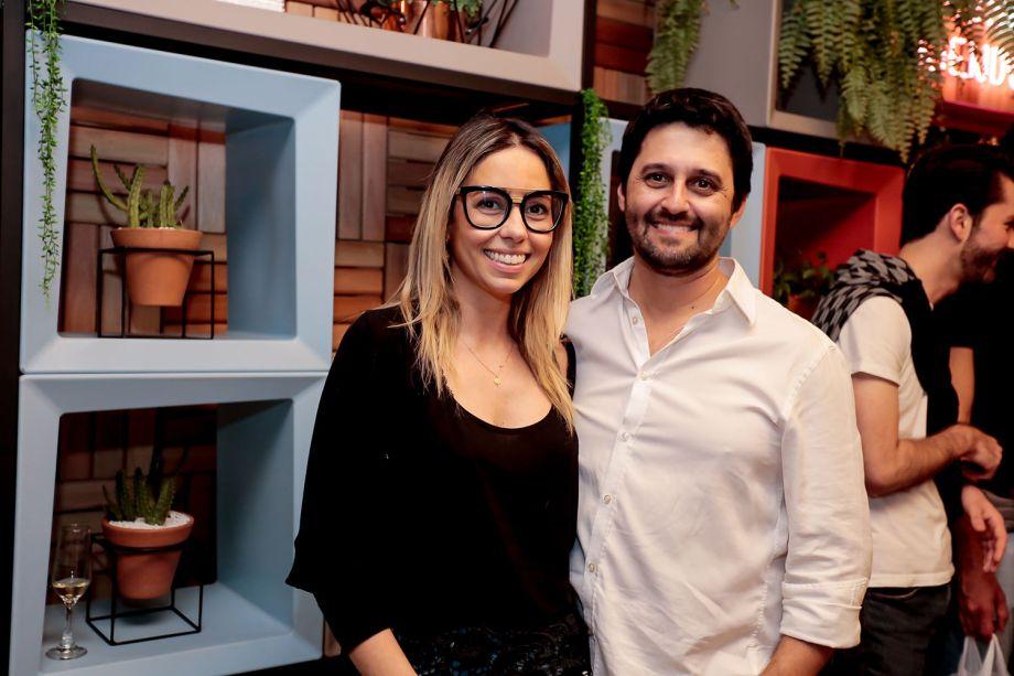 Karina Capaverde e Luciano Mota