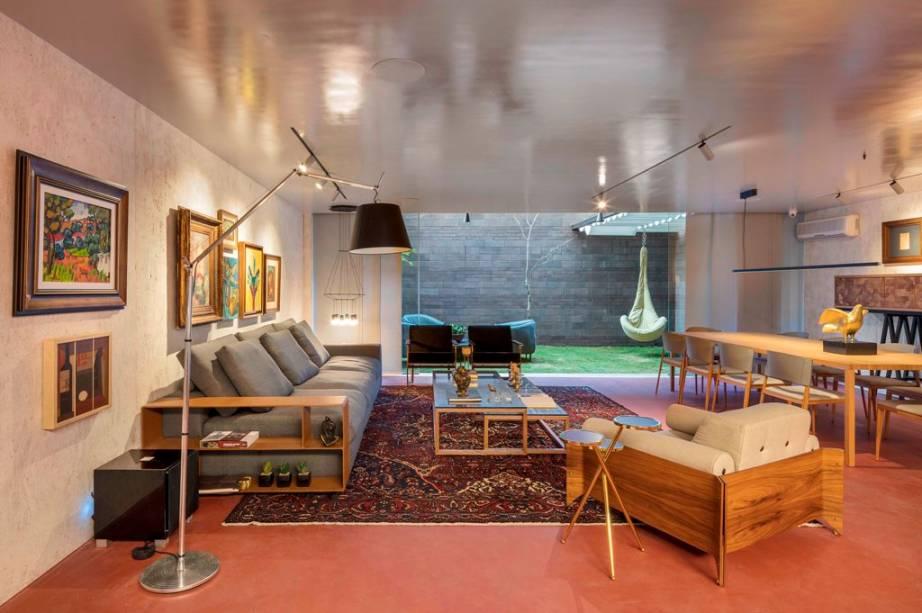 <b><span>Uso de Obra de Arte</span></b><span> – Vinho e Prosa Lounge (Hélio Albuquerque e Sonia Peres)</span>