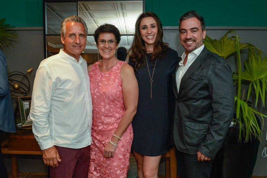 Luiz e Francis Bernardo com Graziela de Caroli e Cadu Torres.